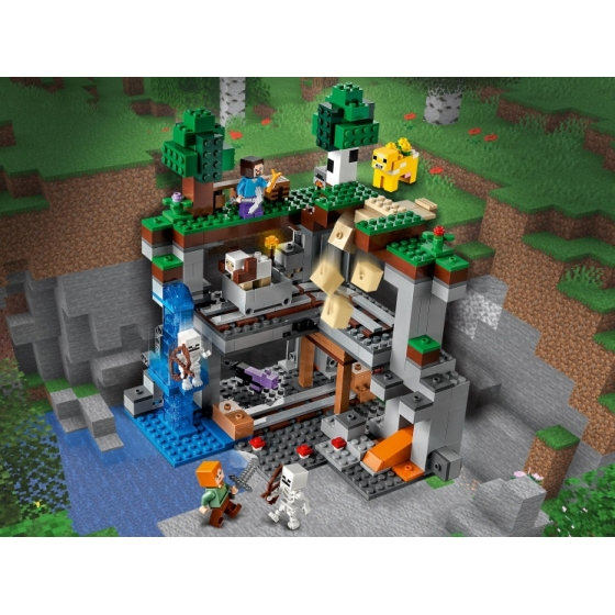 Конструктор LEGO Minecraft 21169 Первое приключение